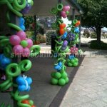 post decoration with balloons - view our balloon art - event balloons Coburg North - shivoo balloons and decor specialists in coburg north