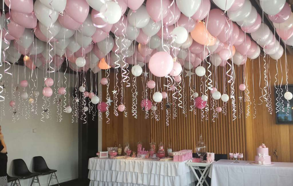 Ceiling décor - image CD-2-1024x650 on https://shivooballoons.com.au