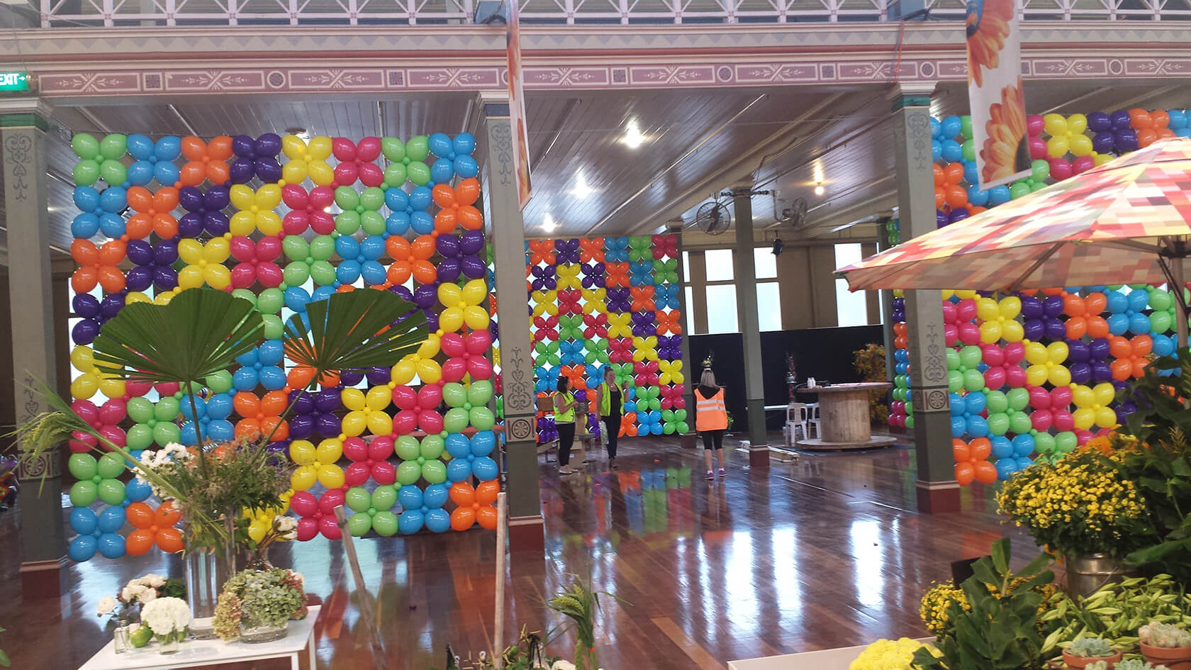 Wall Balloon Decors - see our events - balloon designs - shivoo balloons and decor specialists in coburg north
