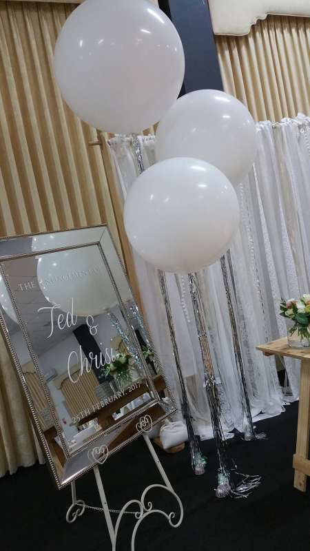 FD-8 - floor displays - Coburg Balloon Artists - shivoo balloons and decor specialists in coburg north